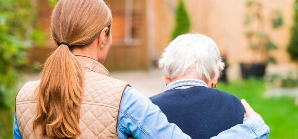 Live in care for dementia-and-alzheimer's